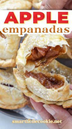 Apple Recipes Easy, Top Recipes, Candy Recipes, Mexican Food Recipes, Baking Recipes, Sweet Recipes, Autumn Desserts, Christmas Desserts, Empanadas Recipe