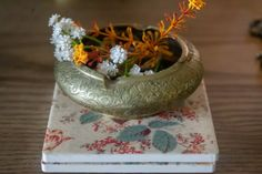 Affinity for antiques home tour of Rushika & Dipkal's - the brass bowl is filled with flower Palo Alto Apartment, House Interior Decor, Decor, Ceramic Coasters, Decorating Blogs, Bronze Decor, Candle Stand, Elements Of Color, Pine Scented