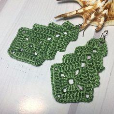 40 crochet geometry dangle earrings awesome unusual shape pdf pattern only easy tutorial for beginners Crochet Jewelry Patterns, Crochet Accessories, Knitting Patterns, Bracelet Crochet, Crochet Earrings Pattern, Wire Crochet, Crochet Gifts, Crochet Edgings, Crochet Lace
