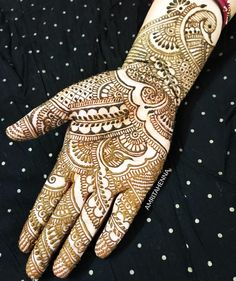 Yet another design that reflects my Signature style of Henna. I love doing Traditional designs with attention to detailing. I love reading the sweet texts I receive from you all. Thank You for the appreciation #mondaymotivation #henna #traditionaltattoo #hennaart #hennadesign #mehndi #mehendi #orlandoflorida #orlandoartist #orlandoweddings #orlandoevents #orlandofashion #floridawedding #indianwedding #muslimwedding #indianartist #designinspiration #youtuber #fashion #style #lifestyle…