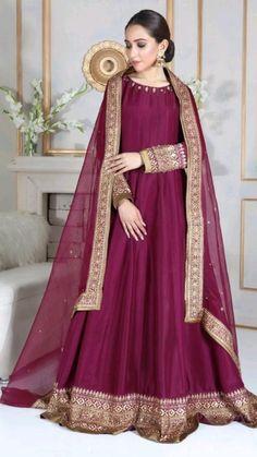 Pakistani Mehndi Dress, Beautiful Pakistani Dresses, Pakistani Formal Dresses, Pakistani Wedding Outfits, Pakistani Bridal Dresses, Pakistani Dress Design, Shadi Dresses, Pakistani Couture, Eid Dresses
