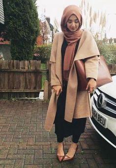 tan long hijab coat, Fall stylish hijab street looks http://www.justtrendygirls.com/fall-stylish-hijab-street-looks/