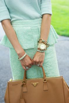 I love the extra layer of fabric at the top of the skirt - so cute! :)