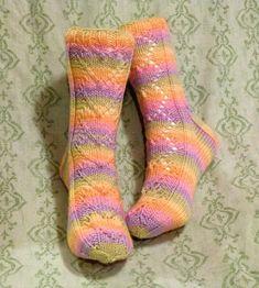 Maariat, Niina Laitela Sukkakalenteri 2015 Knit Socks, Knitting Socks, Mittens, Fingerless Mitts, Sock Knitting, Fingerless Mittens, Gloves
