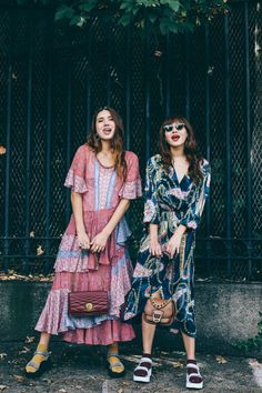 the suarez sisters, natalie off duty, printed dresses and sandals with socks, teva sandals, tourist sandals Socks And Sandals, Sandals Outfit, Sport Sandals, Look Athleisure, Ugly Shoes, Looks Street Style, Sartorialist, Boho, Colorful Fashion