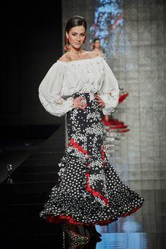 Spanish Fashion, Lace Skirt, Formal, Skirts, Flamenco Dresses, Beauty, Beautiful, Google, Feminine Fashion