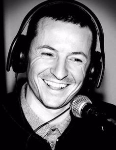 Chester Bennington - Linkin Park - what a smile!