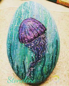 Jellyfish #malpåsten#sten#Stenelene#paintedstones#stones#rocks#rockpainting#jellyfish#thisiswhatido#thisiswhatilove