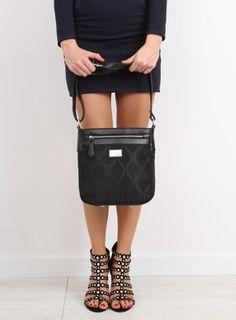 Divattáskák a HLFShoes.com webáruházban, Mini Skirts, Fashion, Moda, Fashion Styles, Mini Skirt, Fashion Illustrations