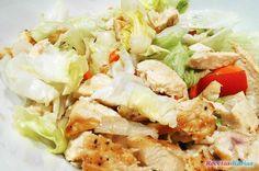 Cómo hacer Ensalada de pollo y huevo. Una ensalada fácil, con ingredientes saludables equilibrada y deliciosa.