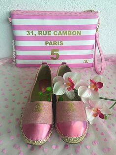 Alpargatas rosa brillantina, a la venta en nuestra tienda online http//www.mueblesvintage.tienda/shop/moda,chic/playa/alpargata,rosa,chanel/