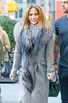 Jennifer lopez in a large fur collar cardigan with jeans and knee Jennifer Lopez Music, Jennifer Lopez Gallery, Jennifer Lopez Photos, Church Attire, Winter Chic, Today Show, Mariah Carey, Celebs, Celebrities