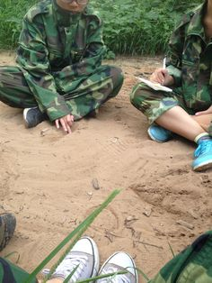 The simulation of CS - Xinke Protective: We are in a circle to discuss the battle plan, the ultimate goal is achieving victory www.xinkeprotective.com