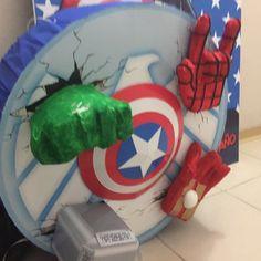 Piñata de Avengers