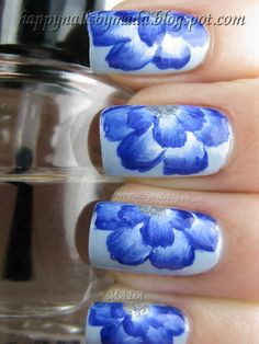 nails with the one-stroke method = blue flowers