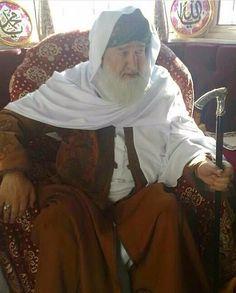 """The one who thinks he is better than somebody else is in actual fact the worst of them all!"" (Shaykh Ul Alam Khwaja Pir Muhammad Allaudin Siddiqui Naqshbandi Nervi رحمۃ اللہ تعالیٰ علیہ)  #Murshid #Shaykh #Pir #Sultan #Jaan #Iman #Islam #aswj #ehlisünnet #dhikr #hikmah #wisdom #naqshbandi #NerianShareef #ego #dunya #Akhirah #Adab #sufi #Sunni #guide #quote #green #white #Noor #beauty http://quotags.net/ipost/1610984279051122754/?code=BZbXaqblLhC"