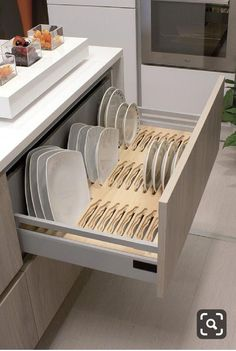 13 DIY Ideas for Kitchen Storage – diy kitchen decor ideas Kitchen Room Design, Modern Kitchen Design, Home Decor Kitchen, Interior Design Kitchen, Kitchen Furniture, Home Kitchens, Furniture Design, Country Kitchen, Rustic Kitchen