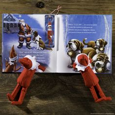 Elf Bookmark - Free printable for storytime with friends! #ScoutElfIdeas | Elf on the Shelf Ideas | Easy Elf Ideas | Simple Elf Ideas | 25 Days of Books