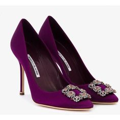 Manolo Blahnik Hangisi pumps (13.109.410 IDR) ❤ liked on Polyvore featuring shoes, pumps, pointy-toe pumps, leather slip on shoes, slip-on shoes, leather pointed toe pumps and leather slip-on shoes