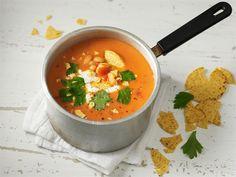 Tomaattinen papukeitto. Papuja kannattaa suosia ruokavaliossa, sillä ne sisältävät paljon proteiinia sekä kivennäisaineita.