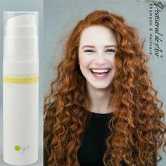 Pune-ţi în valoare buclele naturale cu îngrijirea delicată a cremei O'right Curl Enhancing! Comandă aici: https://www.pestisoruldeaur.com/Oright/Produse-de-styling/Crema-pentru-definirea-buclelor-Oright-Curl-Enhancing-Cream-100ml