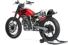 A flat track tribute to the Kentucky Kid, commissioned by the AMA Hall of Fame and beautifully built by Chicago-based Analog Motorcycles. Flat Track Motorcycle, Flat Track Racing, Tracker Motorcycle, Honda Dominator, Honda Scrambler, Honda Motorcycles, Vintage Motorcycles, Ktm 690 Enduro, Ducati Monster Custom