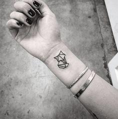 Tatuagem geométrica de raposa.(Foto: Reprodução/ Thisistattoo)