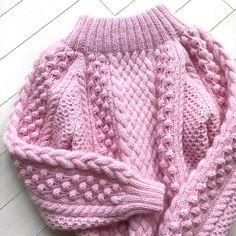 Свитерок из вчерашнего Stories для нашего клиента Ольги @artbest_555 Состав 100% меринос + тончайшая ниточка кид-мохера)) Можем повторить Стоимость 13'500₽ Knit Baby Sweaters, Cooler Look, Knit Fashion, Knitting Designs, Baby Knitting, Knit Crochet, Knitwear, Knitting Patterns, Statistics