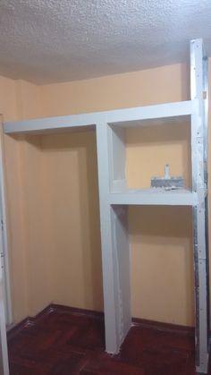 Este closet tipo hornacina se hizo en 2 días,en un espacio muy reducido que no se usaba,gracias al sistema drywall se pudo realizar.