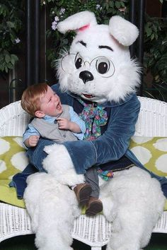 Scared of the Easter Bunny: 11 kids who are having none of it Strangers When We Meet, Easter Bunny, Your Child, Children, Kids, Funny Animals, Hilarious, Parenting, Teddy Bear