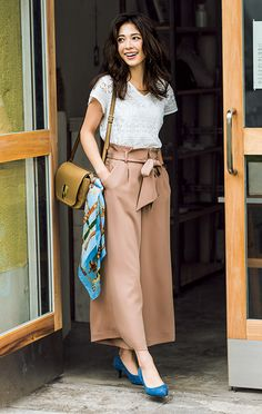 Breathe of fresh air! Casual Chic, Cute Casual Outfits, Business Casual Outfits, Stylish Outfits, Square Pants Outfit Casual, Japanese Fashion, Korean Fashion, Fashion Pants, Fashion Dresses