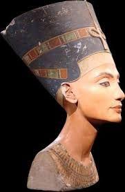 Скульптурный портрет Нефертити, XIV в. до н.э., Государственные музеи, Берлин