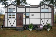 This is a beautiful Tudor-style tiny house on wheels by Tiny Heirloom. It was featured on a recent episode of their television series, Tiny Luxury which is on the HGTV/DIY Network. Tiny House Big Living, Tiny House Loft, Tiny House Swoon, Tiny House Plans, Tiny House On Wheels, Tiny House Design, Small Living, Tiny House Luxury, Maison Tudor