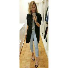 Esse jeans clarinho, bem cara de fim de semana, ganha um ar mais formal usado com preto. #dicadodiadabia