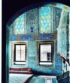 TBT: Martyn Lawrence Bullard's 10 favourite things. Interior Designer Martyn Lawrence Bullard shares what he treasures most in life. No. 8 Istanbul's topkapi Palace is the location of my current favourite job — a boutique hotel set in its walls. This Ottoman jewel has inspired many of my collections, from my Schumacher wallpapers to my own fabric line. 📷by @simonpwatson @martynbullard To view Martyn's Favourite things,  visit 🖥 VogueLiving.com.au or see link in bio. #VogueLiving #loveVL…