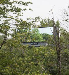 Gehackte billboards veranderen een snelweg in Amerika in een enorm openluchtmuseum | The Creators Project