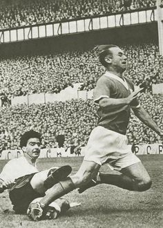 Maurice Norman makes a late challenge on Blackpool's Stanley Matthews at the lane #THFC
