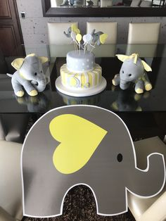 Baby shower ideas for boys themes elephants chevron 39 Ideas for 2019 – Baby Shower İdeas 2020 Baby Shower Yellow, Baby Shower Vintage, Baby Shower Table, Boy Baby Shower Themes, Baby Shower Parties, Baby Boy Shower, Baby Shower Centerpieces, Baby Shower Decorations, Baby Elefante