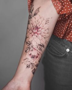 Tattoo frauen unterarm cover up Trendy Ideas Tattoo women underarm cover up Trendy Ideas Cover Up Tattoos, Body Art Tattoos, Sleeve Tattoos, Tatoos, Pretty Tattoos, Beautiful Tattoos, Flower Wrist Tattoos, Tattoo Flowers, Dahlia Flower Tattoos