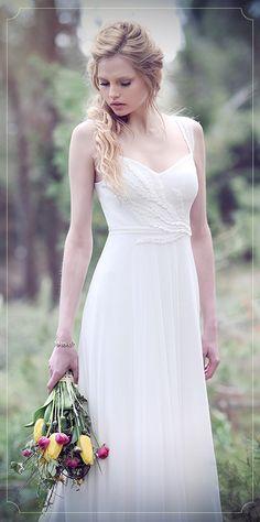 כלות אורבניותפוסט חדש: http://bit.ly/1eMqq3T הקולקציה של Tamara-fashion עוצבה בהשראת הטבע עם בדים טבעיים, קישוטי עלים ומשב רוח רענן שמפלרטט איתנו בכל אחד מן הדגמים. צילום: אלה אוזן