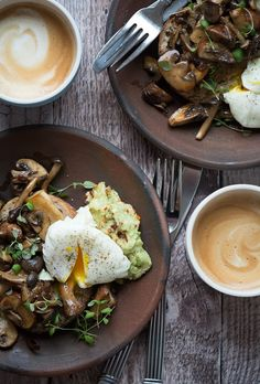 Svampe og avocado på lækkert surdejsbrød - nem opskrift Brunch, Yummy Food, Delicious Recipes, Tapas, Foodies, Avocado, Ethnic Recipes, Super Mad, Breakfast Ideas