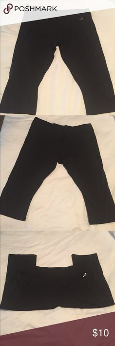 🎀🛍 BCG Tru Wick Capri Workout/Yoga Pants 🎀🛍 BCG (Academy Sports) Tru Wick Capri Workout/Yoga Pants. Only worn a couple of times - like brand new. These are great for working out, errands, or lounging. Very comfy and cute. BCG Pants Capris