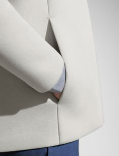 beautiful pocket in the seam detail