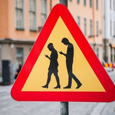 street art in Stockholm, Sweden Satire, Funny Signs, Funny Memes, Cell Phone Addiction, Technology Addiction, Street Art, Street Style, Photos Du, Funny Pictures