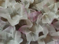 Forminhas de doces finos: Casamento Daluz,forminhas branco e rosa bebê