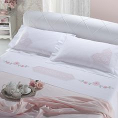This Pin was discovered by Esi Linen Bedroom, Linen Bedding, Bed Covers, Pillow Covers, Embroidered Bedding, Crochet Bedspread, Duvet Sets, Beautiful Bedrooms, Home Textile