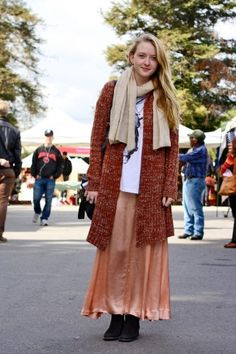 L.A. street style. Nice mix of peach and rust.