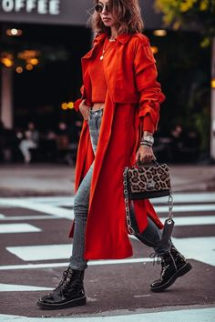 New In: Michael Kors Red Trench Coat Obsessed with this look from last weekend – wearing a coral red bright trench coat with a matching sweater, black leather combat boots, and animal print handbag all by Michael Kors Fashion Blogger Style, Look Fashion, Spring Fashion, Winter Fashion, Fashion Outfits, Womens Fashion, Fashion Trends, Red Fashion, Weekend Fashion