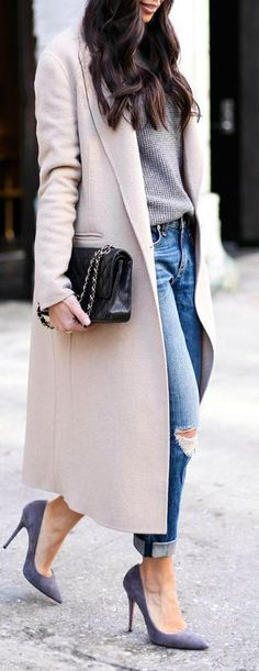 View our simplistic, comfortable & simply cool Casual Fall Outfit inspiring ideas. Get encouraged using these weekend-readycasual looks by pinning your favorite looks. casual fall outfits with jeans Mode Outfits, Fashion Outfits, Womens Fashion, Casual Outfits, Casual Dressy, Jackets Fashion, Fashionable Outfits, Fashion Story, Casual Jeans