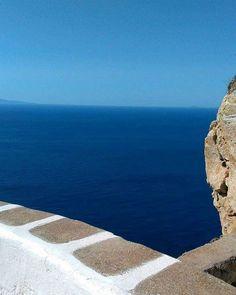 ▪Θάλασσα και ουρανός,ένα▪ #vsco#vscocam#igdaily#ig_captures#ig_greece#greekislands#folegandros#cyclades#tb#punda#white#blue#sea#sky#amazing#potd